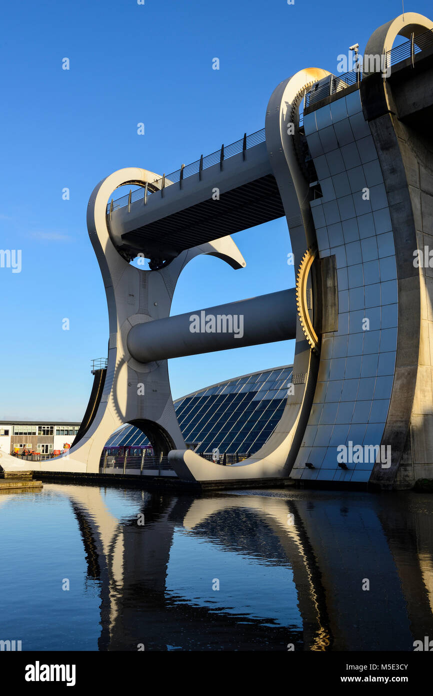 Falkirk Wheel rotating boat lift linking the Forth and Clyde Canal with the Union Canal, part of the Millennium - Stock Image