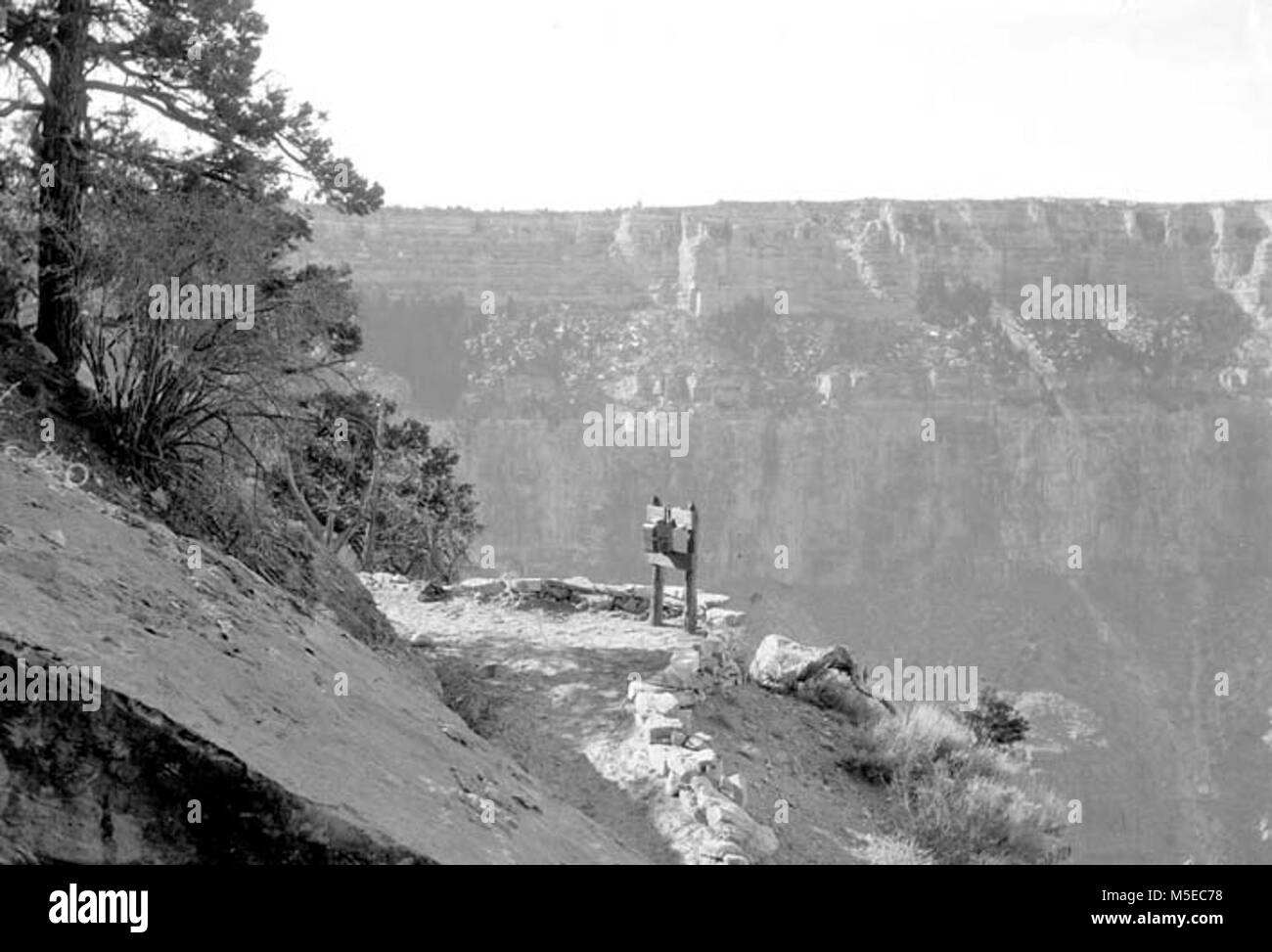 Grand Canyon Historic Trans Canyon Phone Line c   TRANS-CANYON TELEPHONE LINE CONSTRUCTION -  OVERVIEW OF TELEPHONE - Stock Image