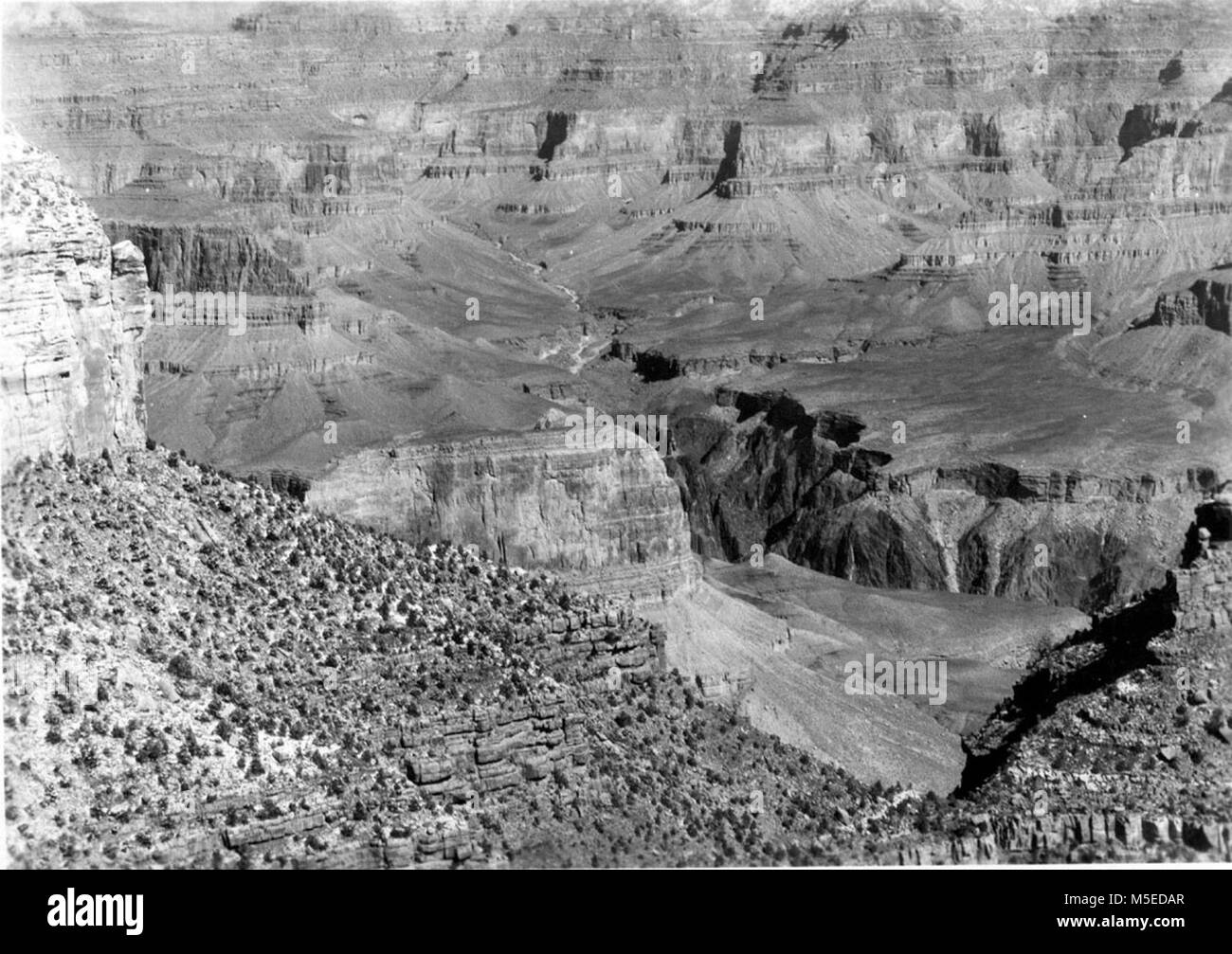 Grand Canyon Village Viewpoints  LOOKING ACROSS TRINITY CREEK FROM THE EL TOVAR. - Stock Image