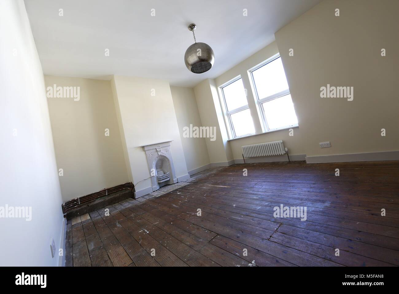 Prime Old Bare Floorboards In An Empty Bedroom In A Victorian Download Free Architecture Designs Griteanizatbritishbridgeorg