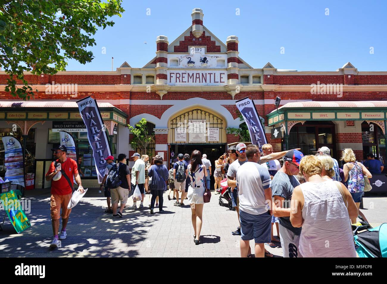 View of buildings and people on the street in downtown Fremantle, a town located near Perth in Western Australia. - Stock Image