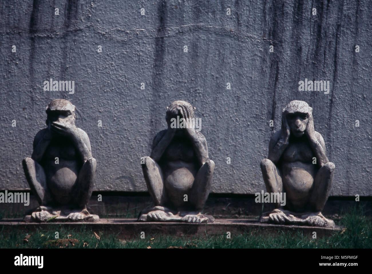 Three Wise Monkeys in Sabarmati Ashram, Ahmedabad, Gujarat, India - Stock Image