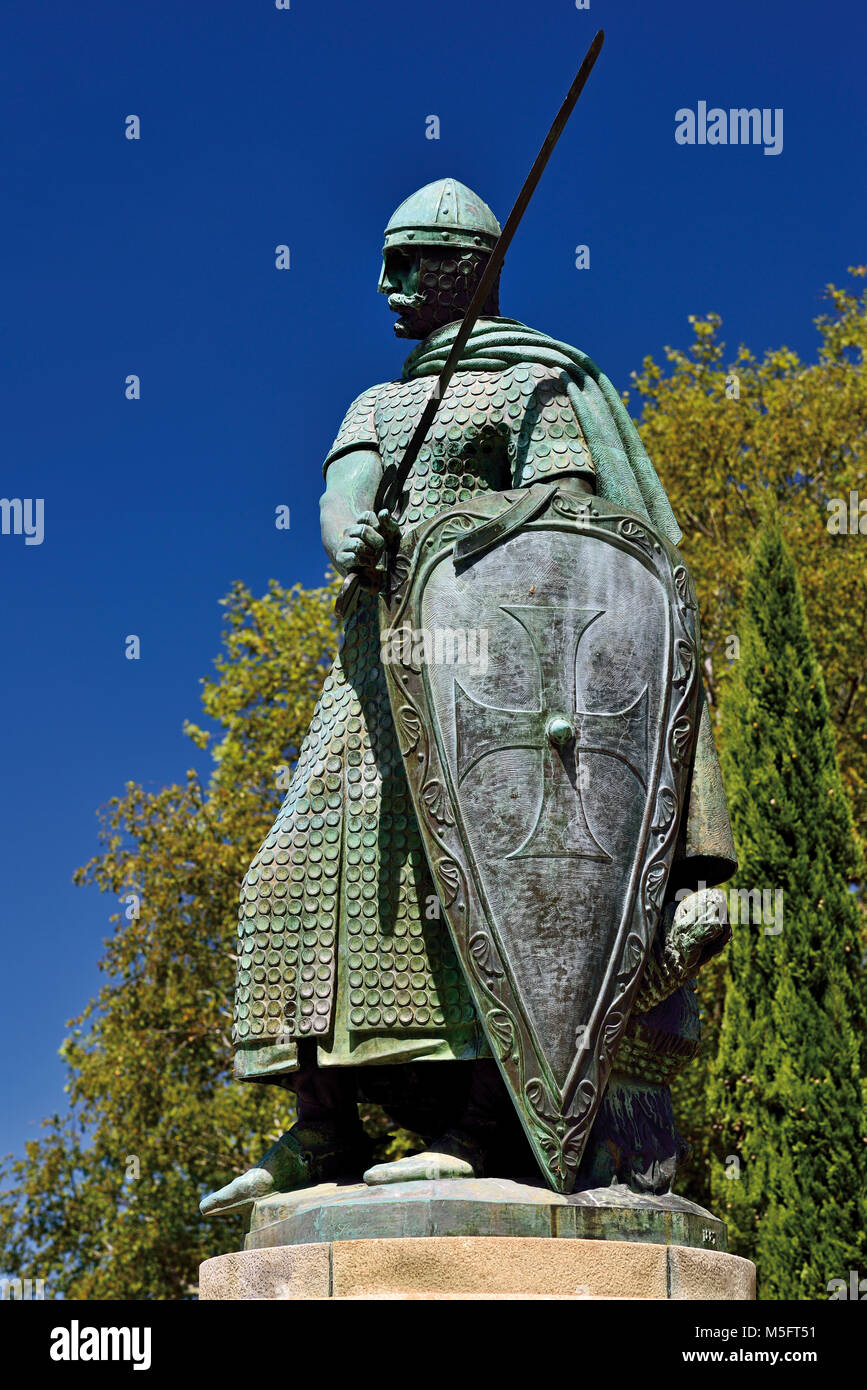 Statue of first king of Portugal Afonso Henriques in Guimaraes - Stock Image