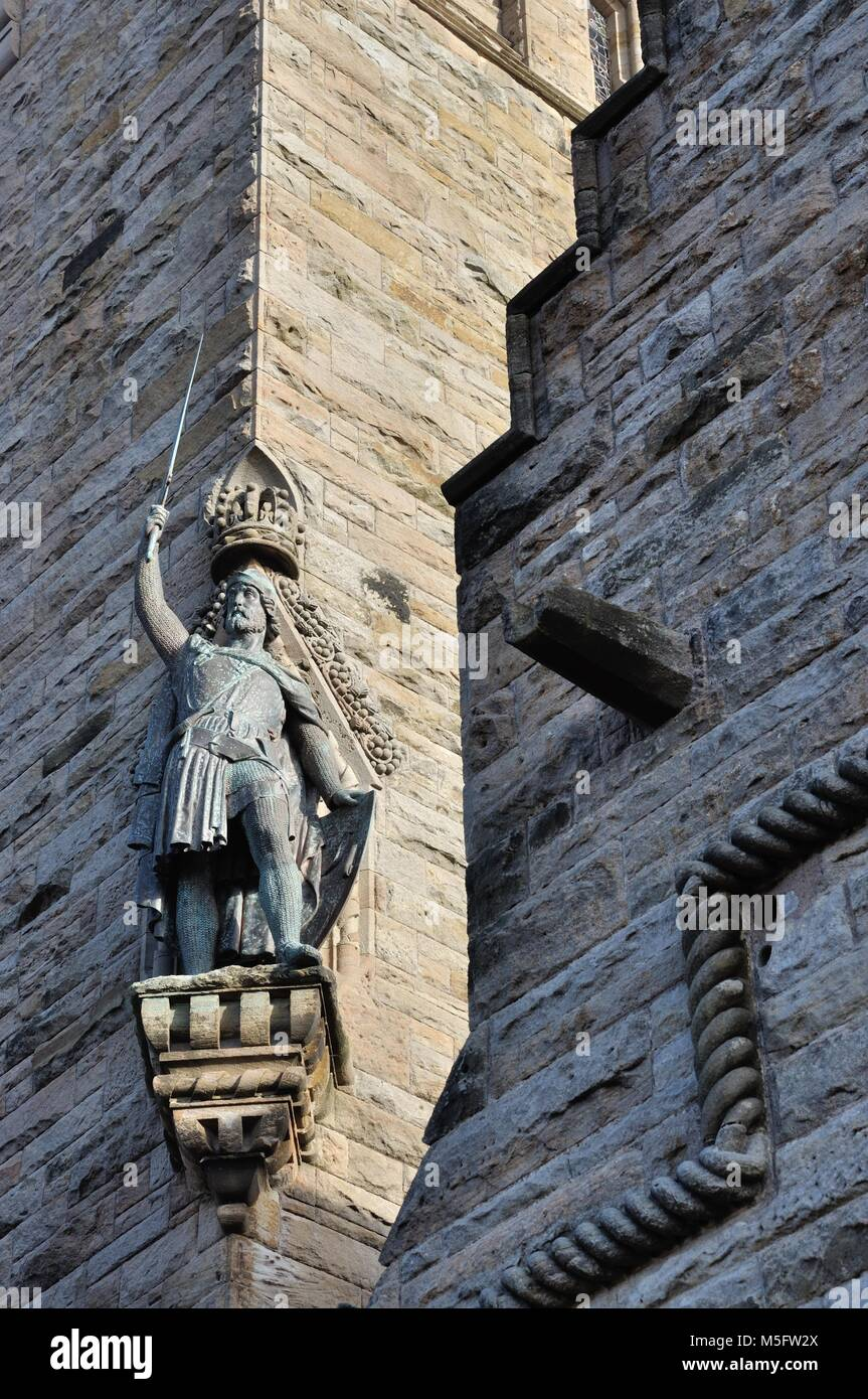 William Wallace statue on the tower with part of the keeper's lodge in view at the National Wallace Monument just Stock Photo