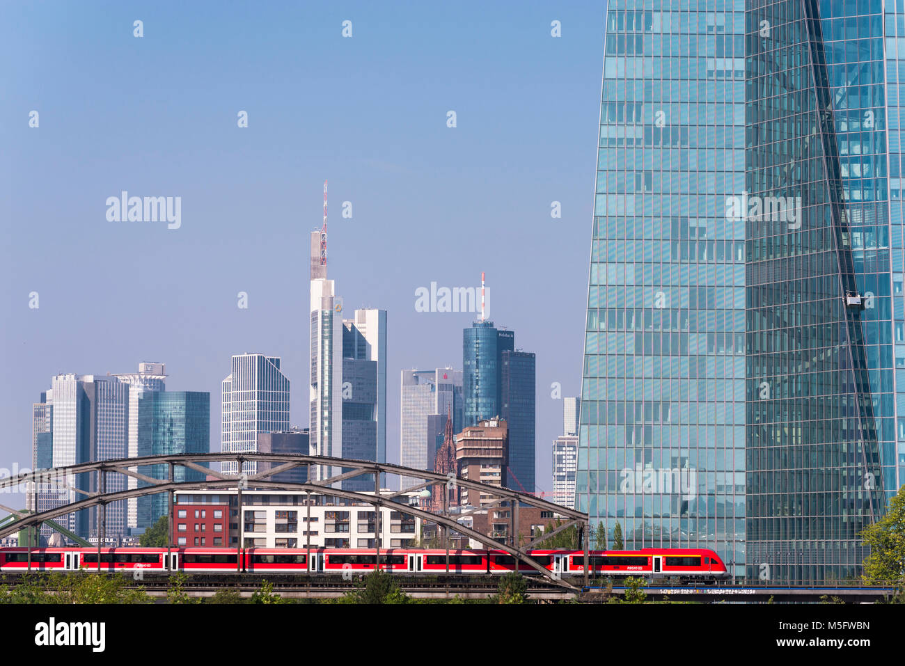 EZB und Skyline , Blick vom Osthafen, Frankfurt, Hessen, Deutschland, Europa - Stock Image