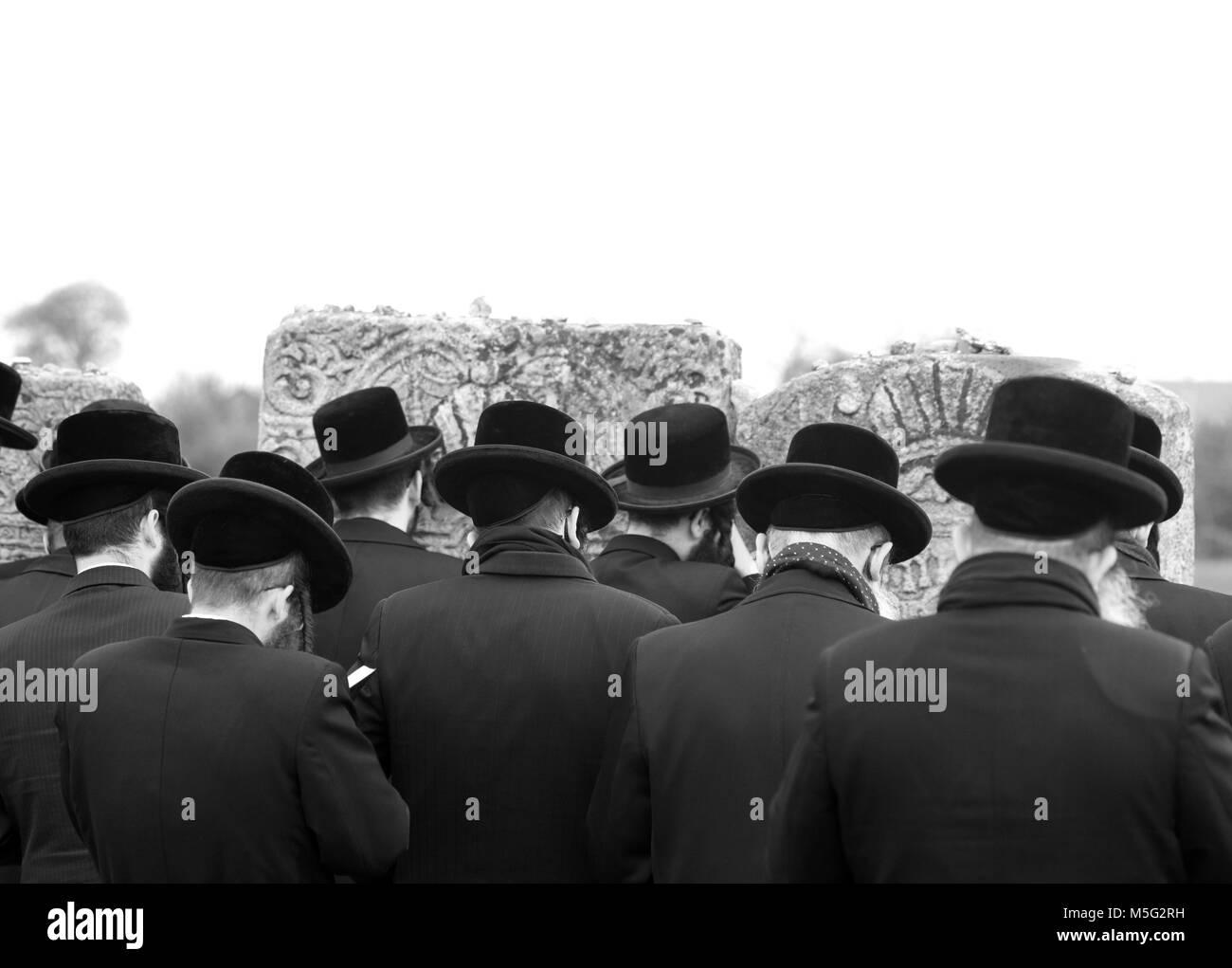 jews, jewish, judaism, hasidim, back, behind - Stock Image