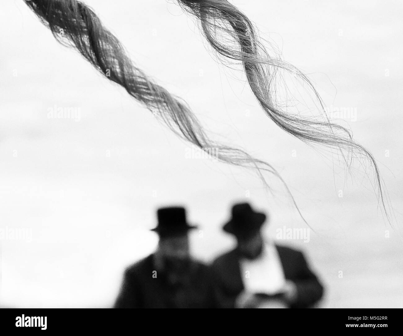 Orthodox Jewish prays, jews, judaism, hasidim, BW - Stock Image
