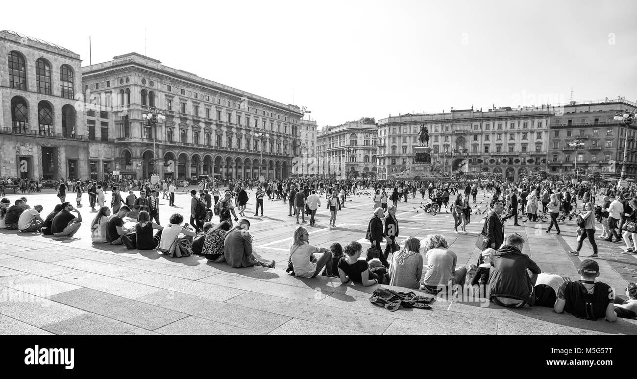 MILAN, ITALY, OCTOBER 13, 2017. View of Duomo square, (Piazza del Duomo) in Milan, Italy - Stock Image