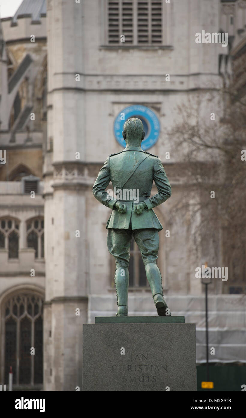 Jan Smuts statue, Parliament Square, back view - Stock Image