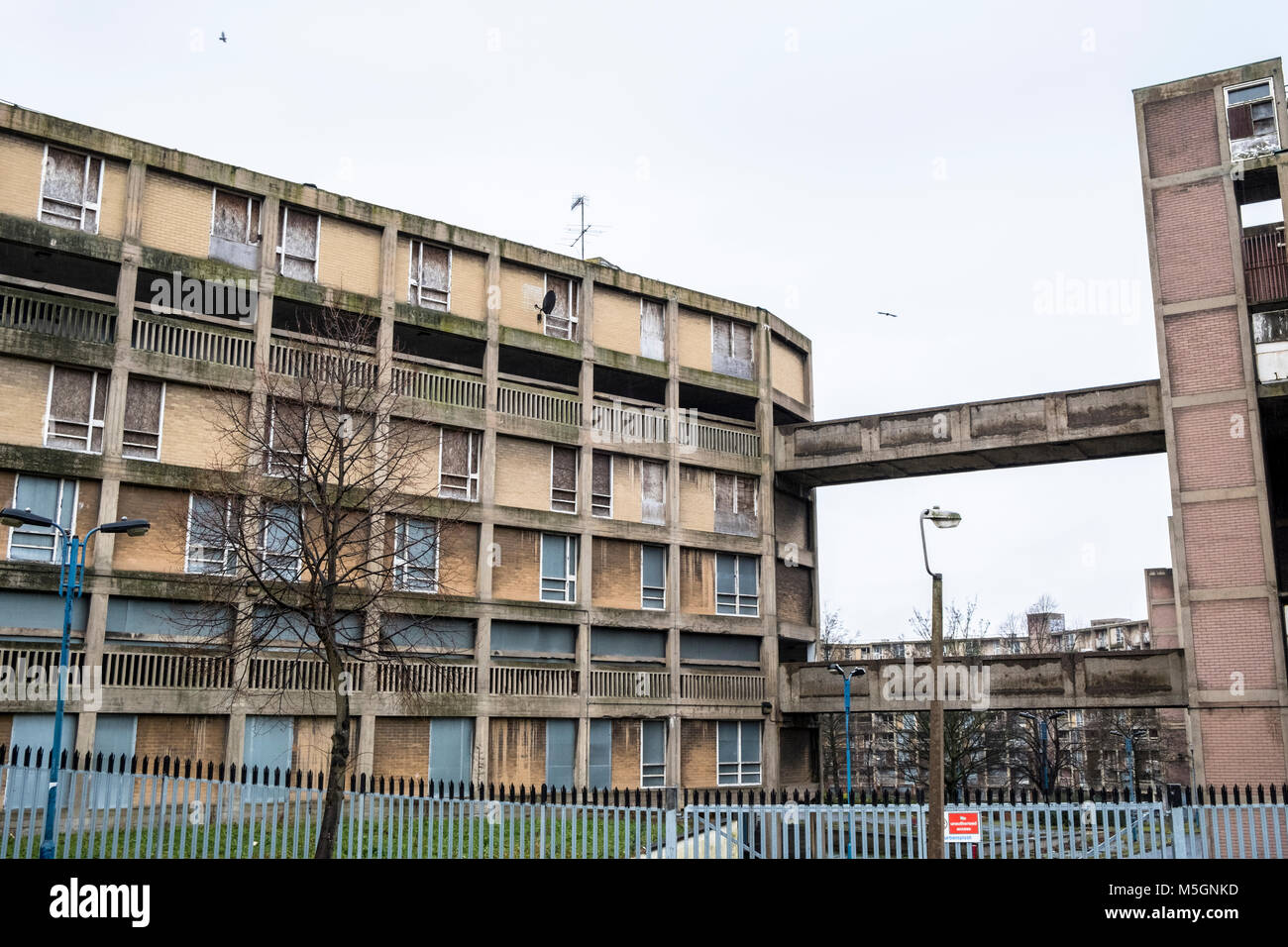 An unsafe building within a section of the Park Hill flats housing estate, Sheffield, England, UK - Stock Image