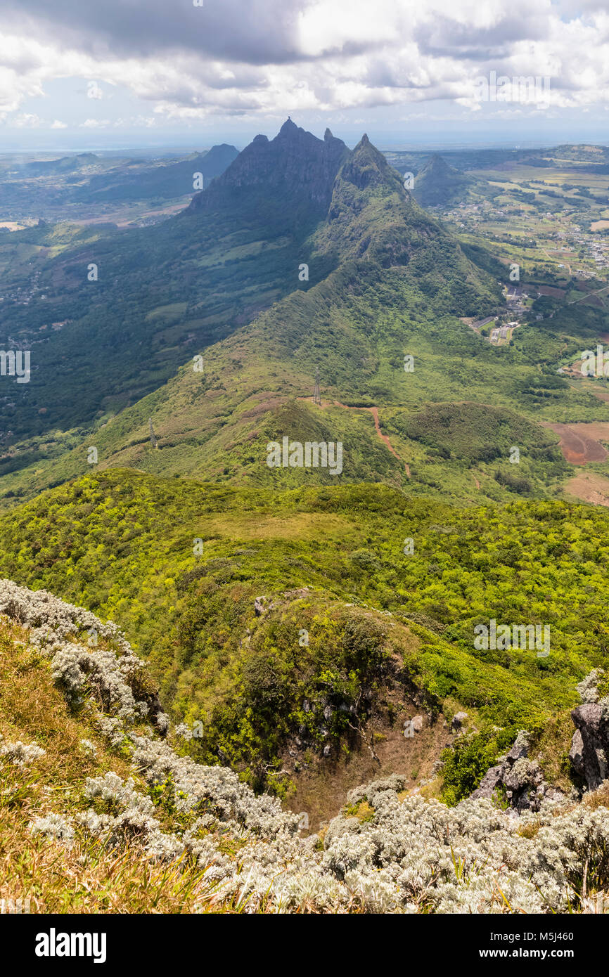 Mauritius, Le Pouce, Wanderung zum Le Pouce Mountain, view of summits Grand Peak, Creve Coeur and Pieter Both - Stock Image