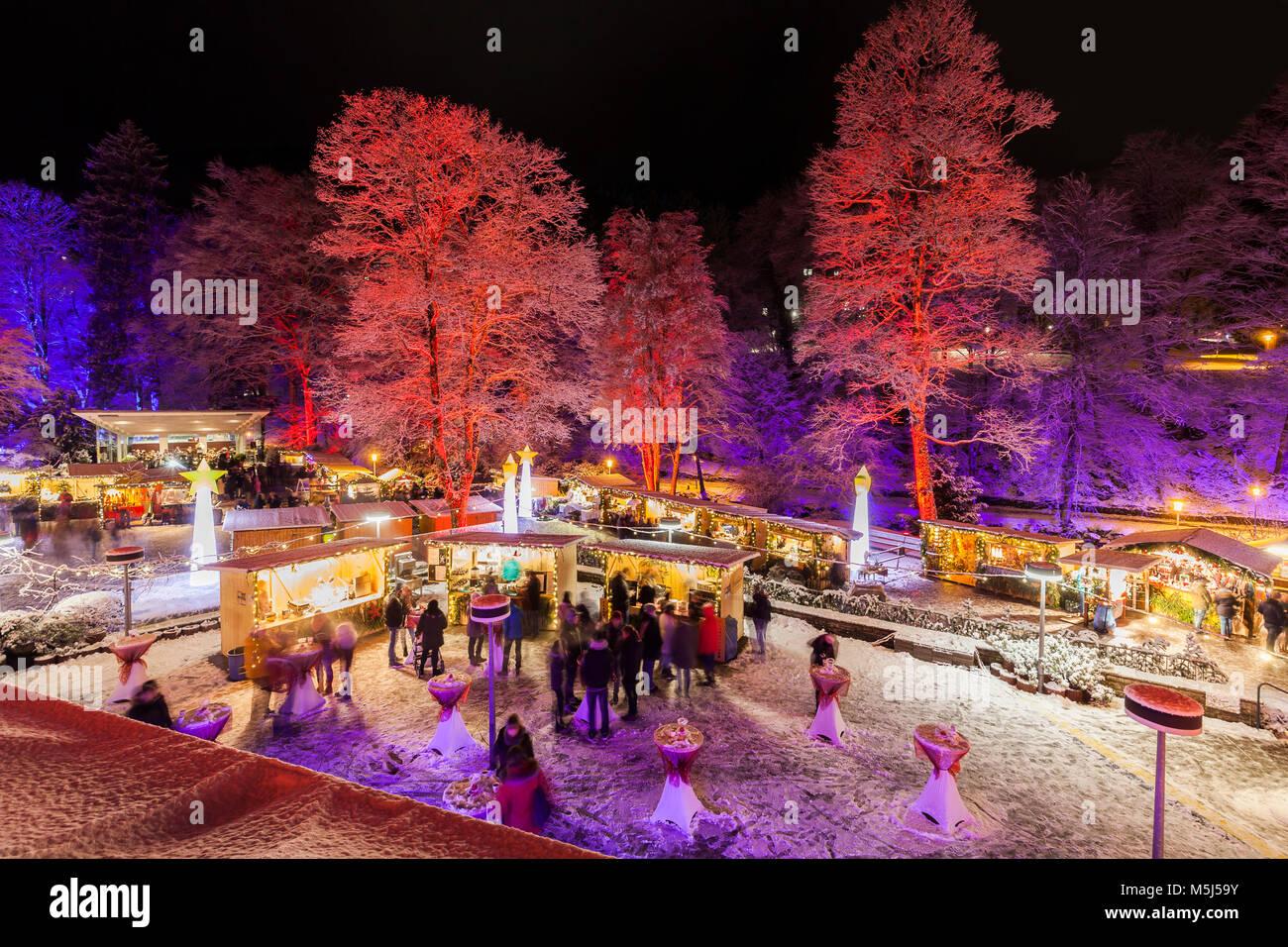 Deutschland, Baden-Württemberg, Schwarzwald, Bad Wildbad, Kurpark, Weihnachtsmarkt, Markt, Marktstände, - Stock Image