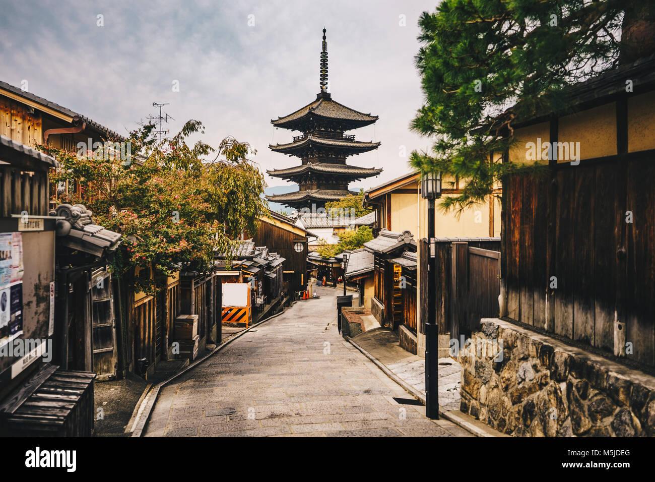 Kyoto old city streets in  Higashiyama District of Kyoto, Japan Stock Photo
