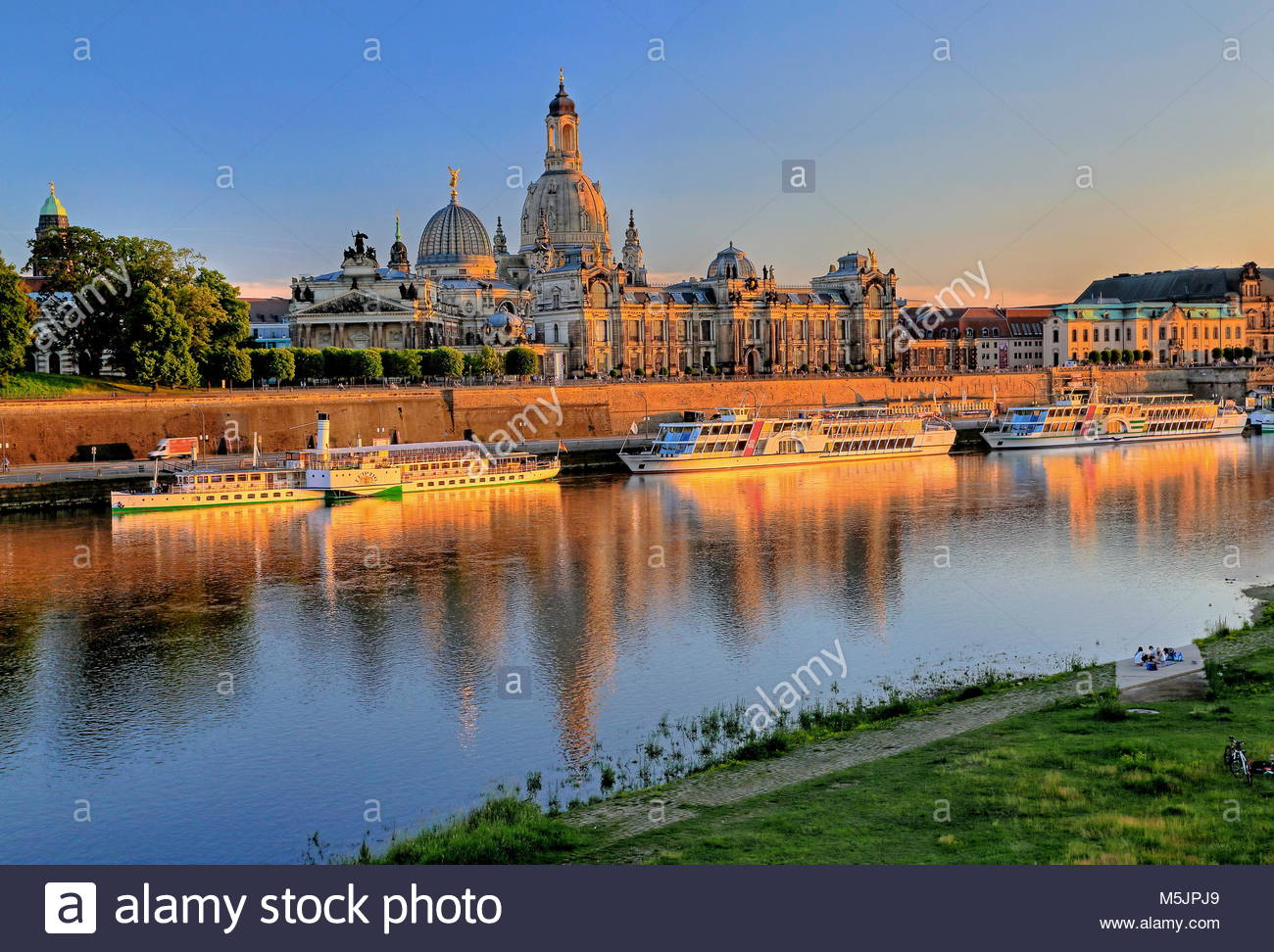 Elbe with excursion boats on the Brühl's Terrace,University of Art and Frauenkirche,Old Town,Dresden,Saxony,Germany - Stock Image