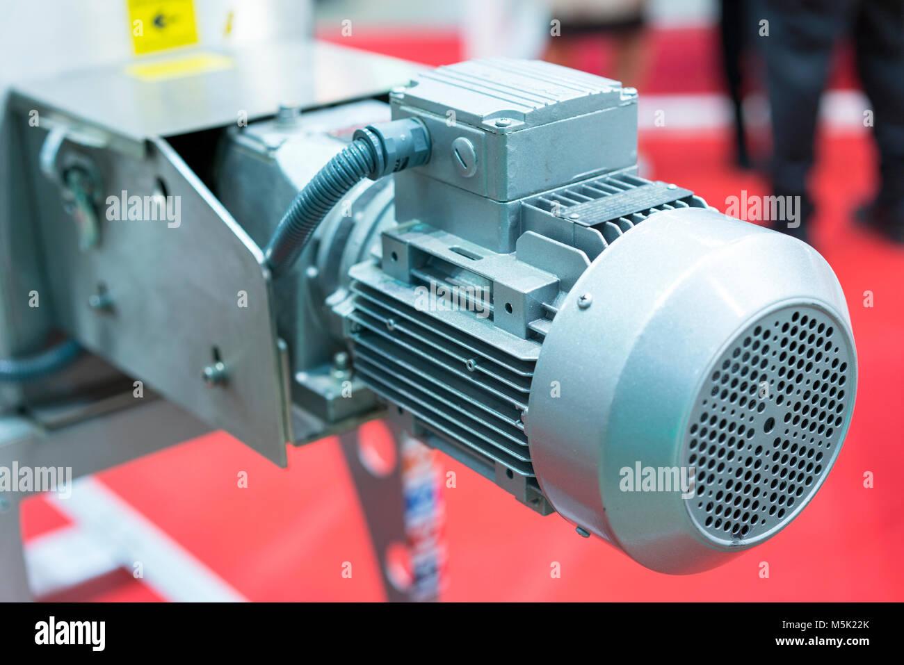 Large Electric Motor Stock Photos & Large Electric Motor Stock ...