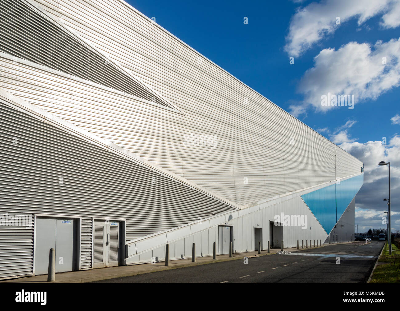 The Chill Factore building (FaulknerBrowns Architects 2007). Indoor skiing, snowboarding and snow activities centre. - Stock Image