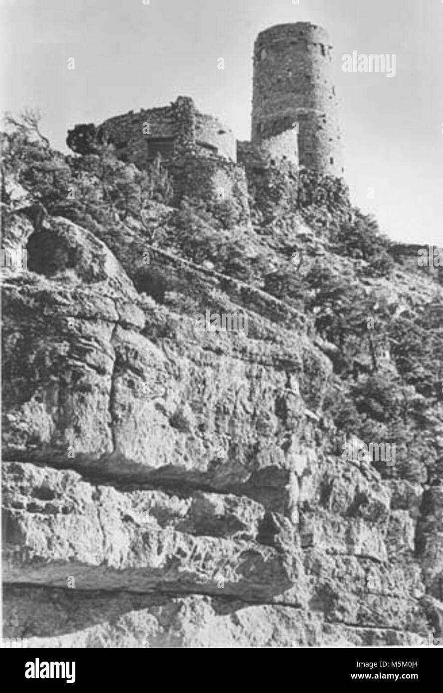 Grand Canyon Historic- Desert View Watchtower Scene  . DESERT VIEW WATCHTOWER SEEN FROM BELOW RIM. KAIBAB ROCK CLIFF Stock Photo