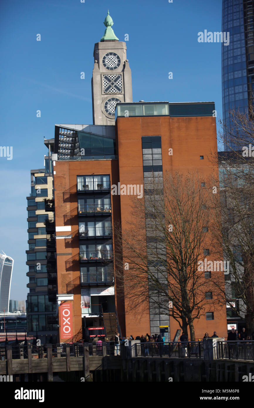 London, UK, 24 Feb 2018.Blue skies over the OXO building in London©Keith Larby/Alamy Live News - Stock Image