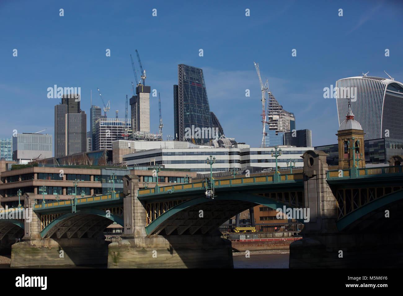London, UK, 24 Feb 2018. Blue skies over the London Skyline©Keith Larby/Alamy Live News - Stock Image
