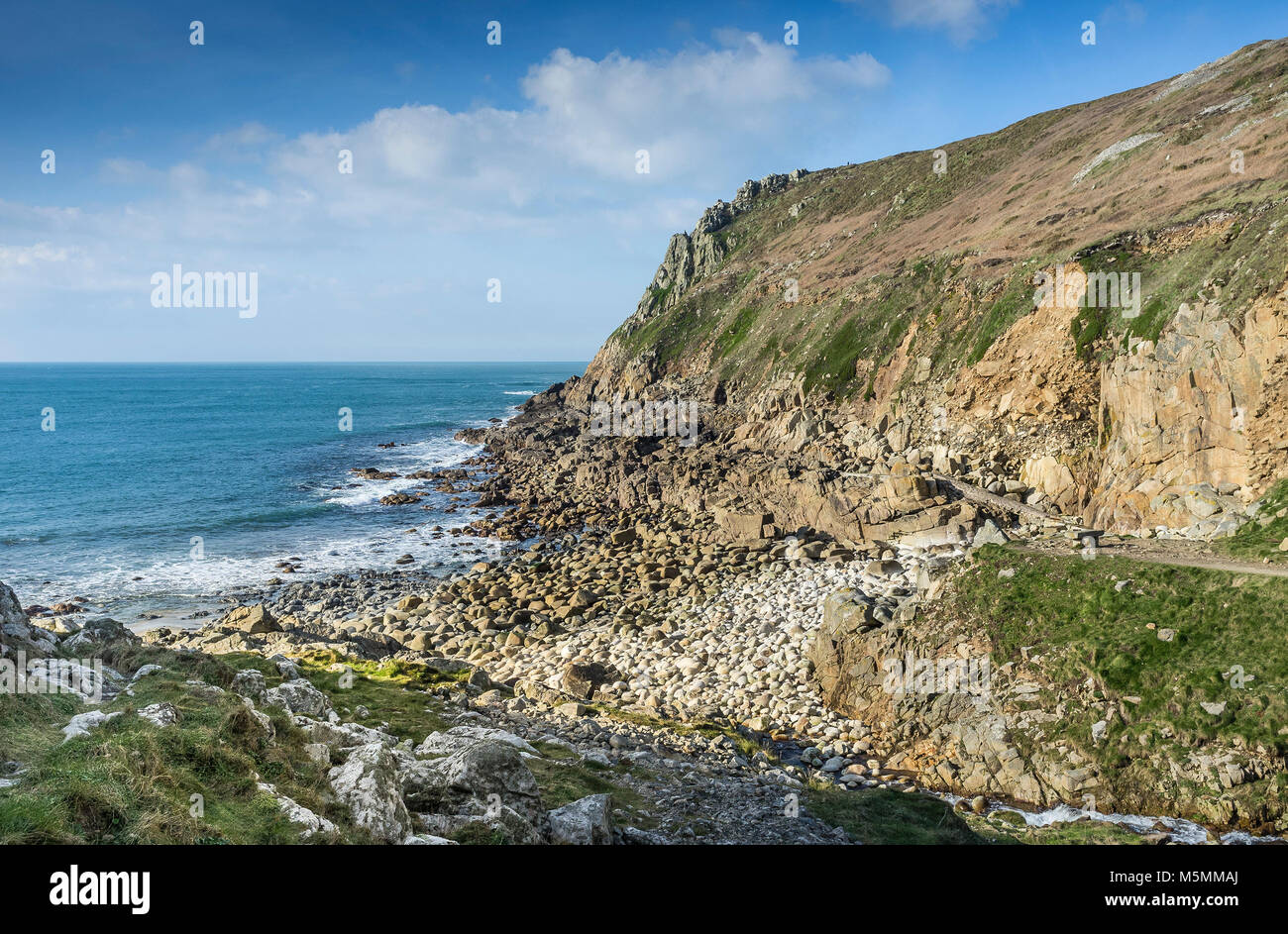 Low tide at Porth Nanven in Cornwall. - Stock Image
