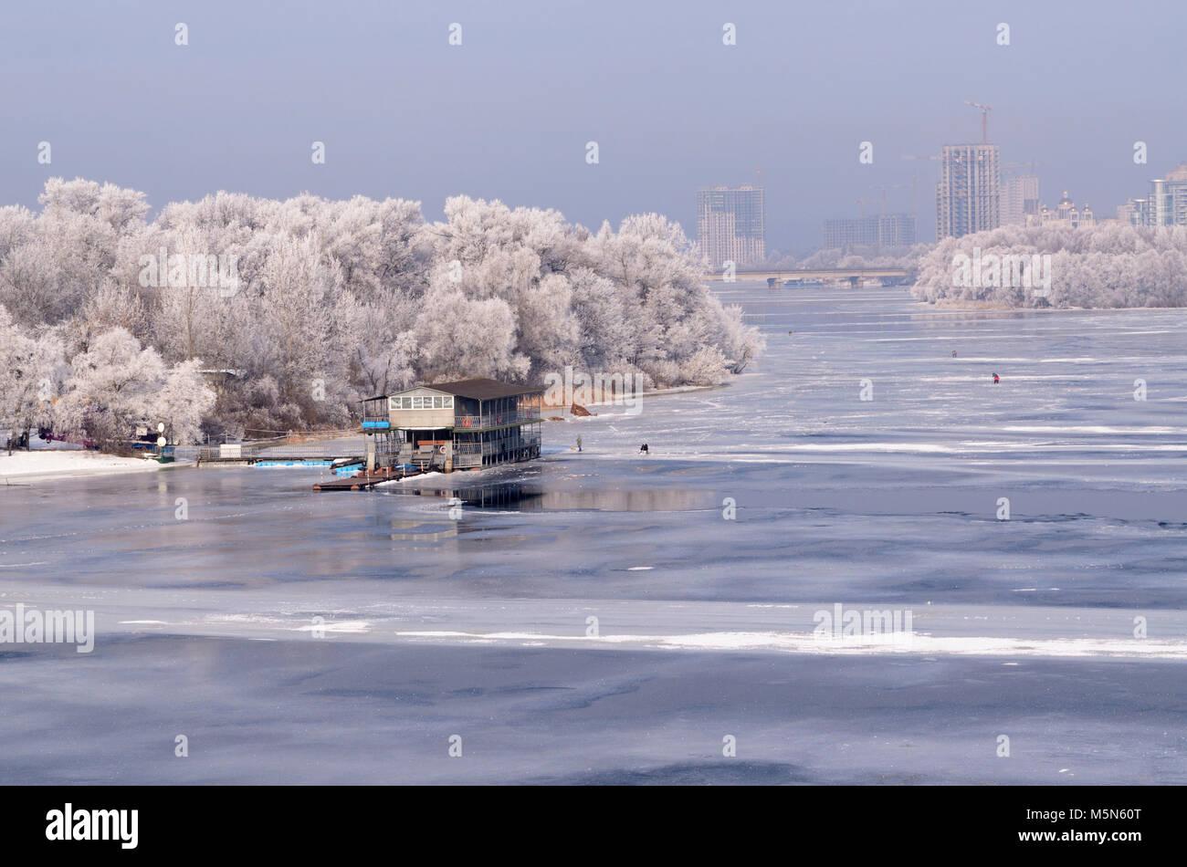 Winter beach kiev - 4 10
