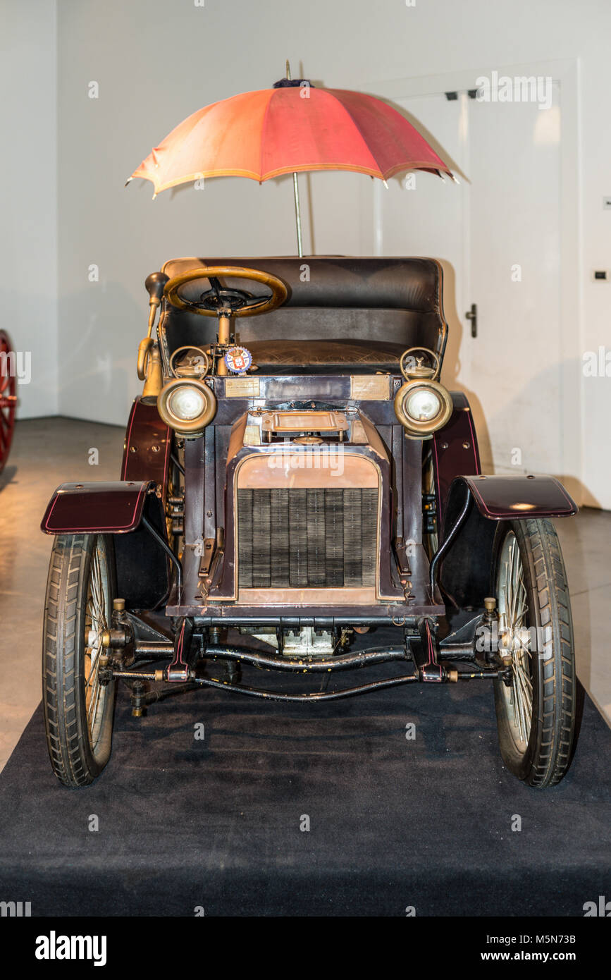 Malaga, Spain - December 7, 2016: Vintage Antique 1904 Minerva Belgium car displayed at Malaga Automobile Museum - Stock Image