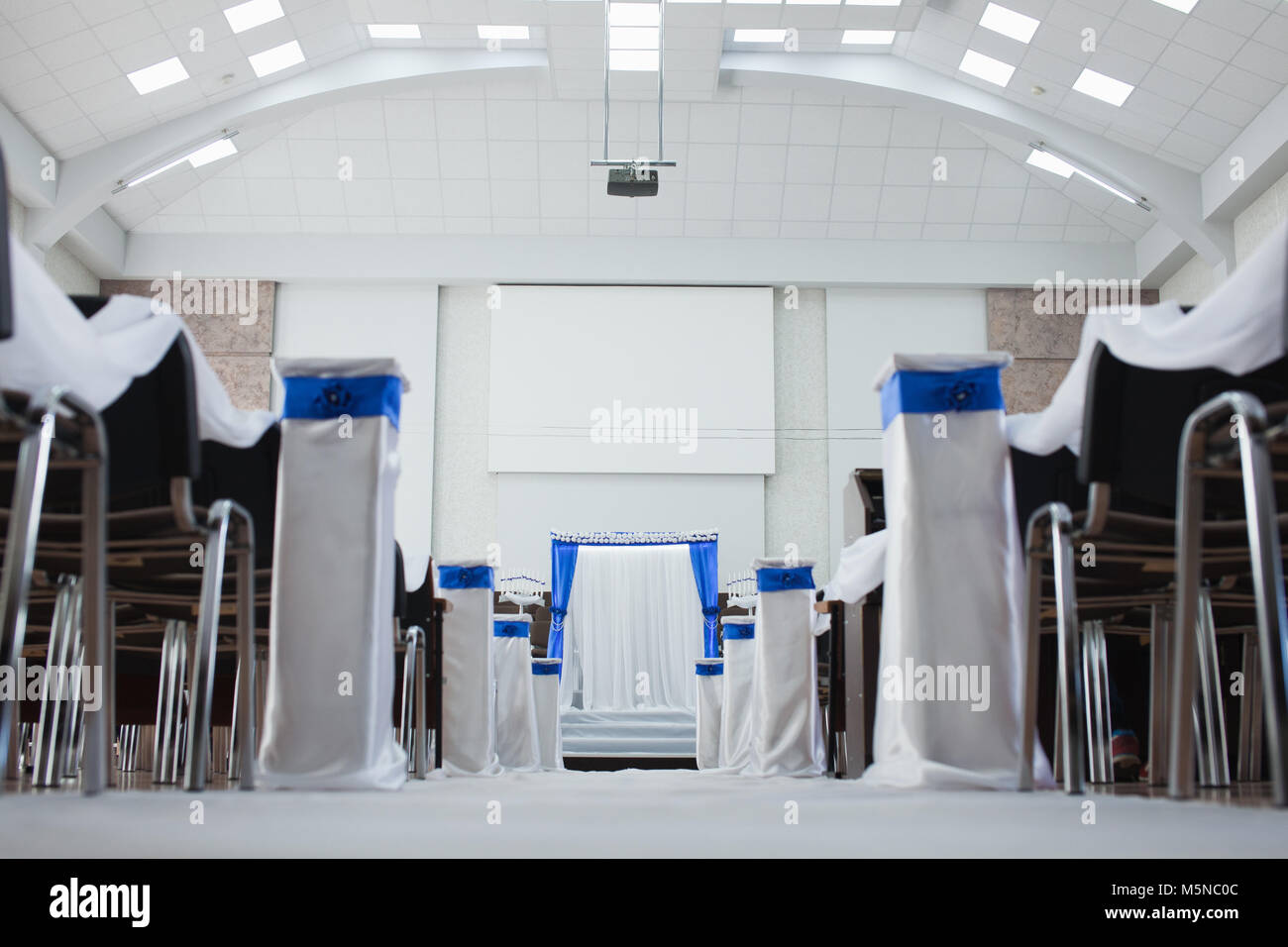 Wedding decoration in a contemporary baptist church Stock Photo ...