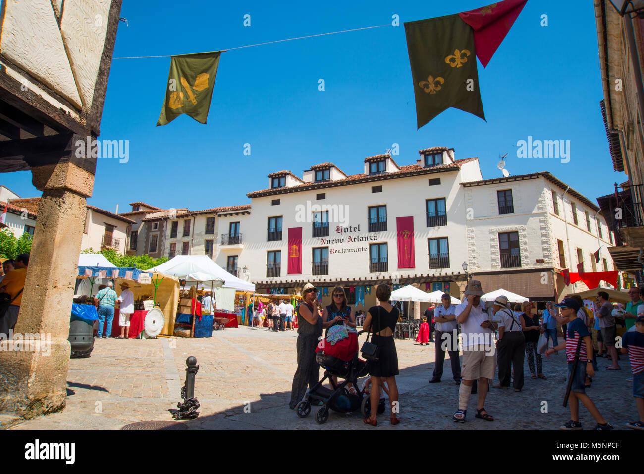 Medieval flea market. Doña Urraca Square, Covarrubias, Burgos province, Spain. - Stock Image