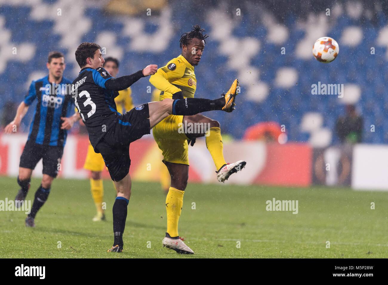 Michy Batshuayi Atunga of Borussia Dortmund and Mattia Caldara of Atalanta during the Uefa 'Europa League' - Stock Image