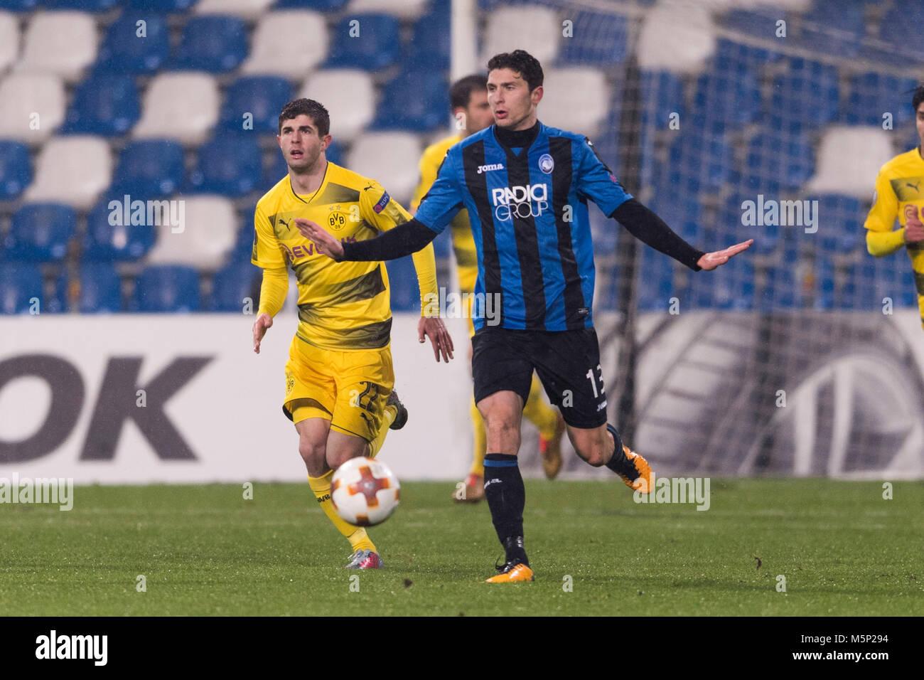 Mattia Caldara of Atalanta and Christian Pulisic of Borussia Dortmund during the Uefa 'Europa League' Round - Stock Image