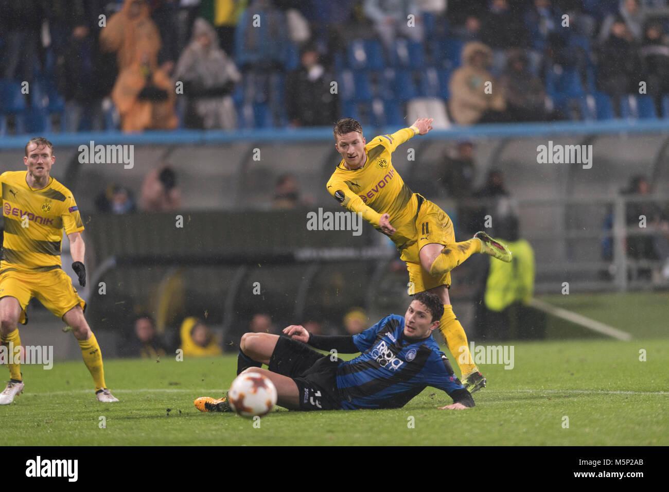 Marco Reus of Borussia Dortmund and Mattia Caldara of Atalanta during the Uefa 'Europa League' Round of - Stock Image
