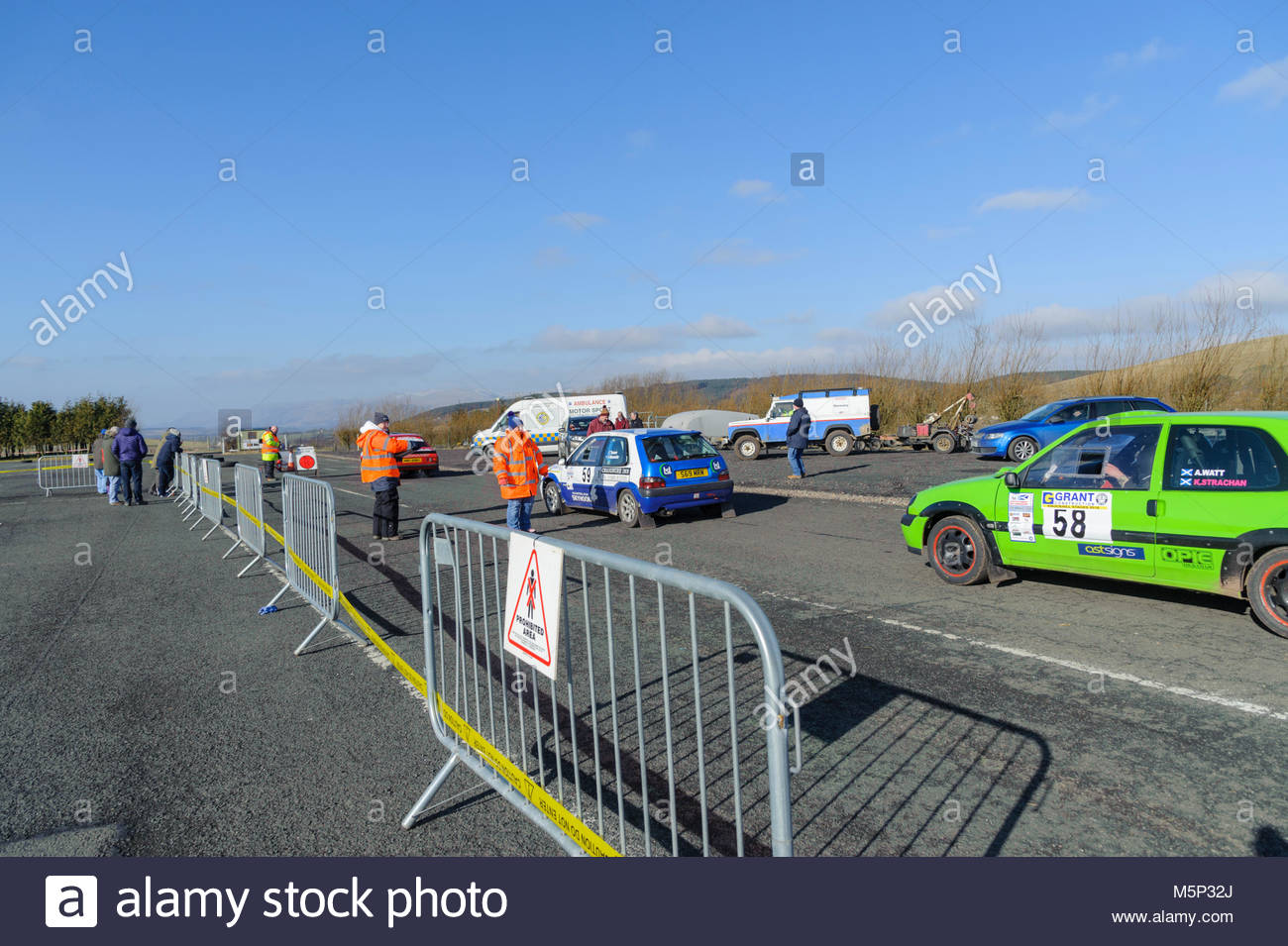 Dunfermline, UK. 25 February, 2018.  Lining up for the start of the next stage during the Grant Construction Rally - Stock Image