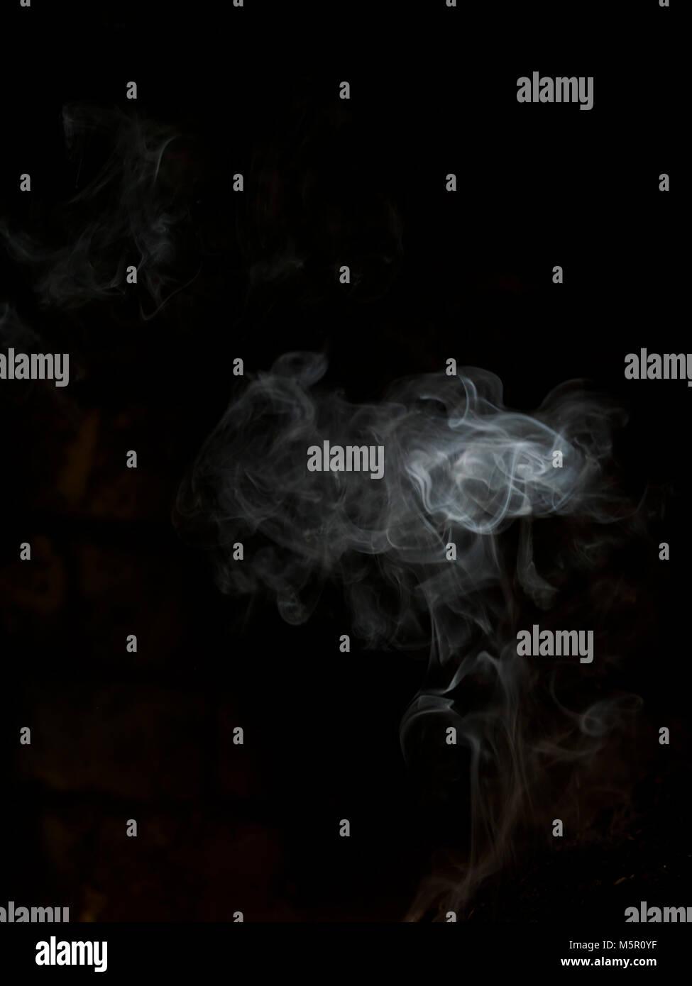 Smoke wreath for Photoshop composition overlay use - Stock Image