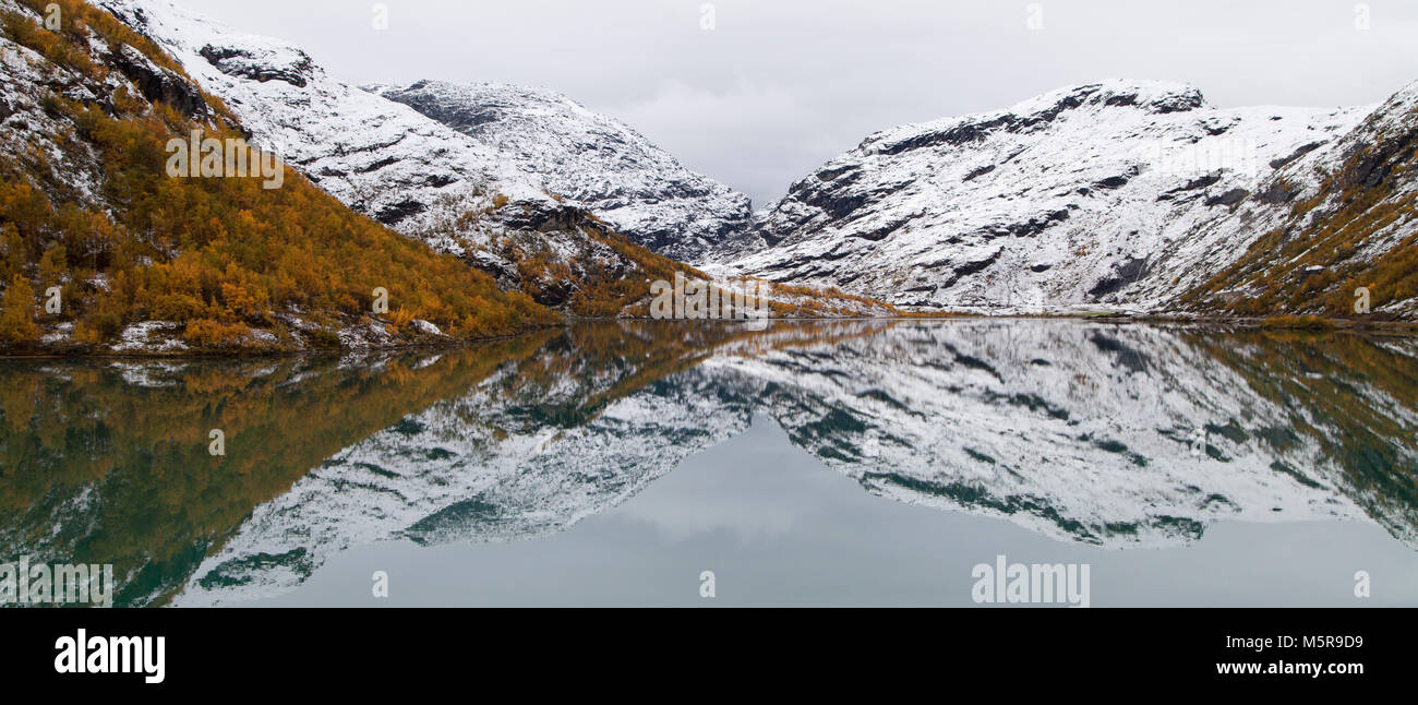 Lake Bovertunvatnet in the Jotunheimen National Park, Norway. - Stock Image