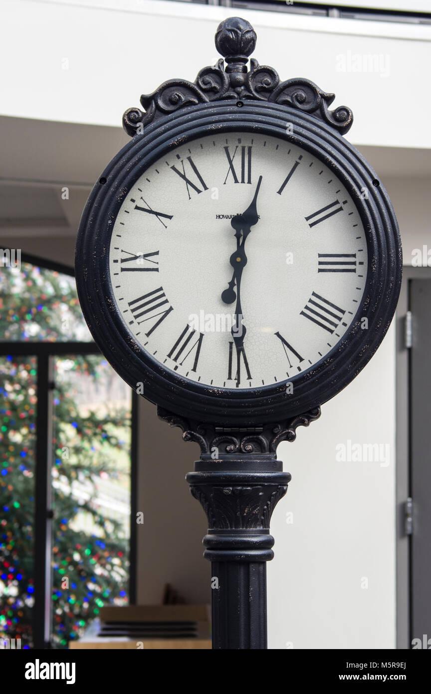 Vinatge cast iron clock at Phipps Conservatory, Pittsburgh, Pennsylvania - Stock Image