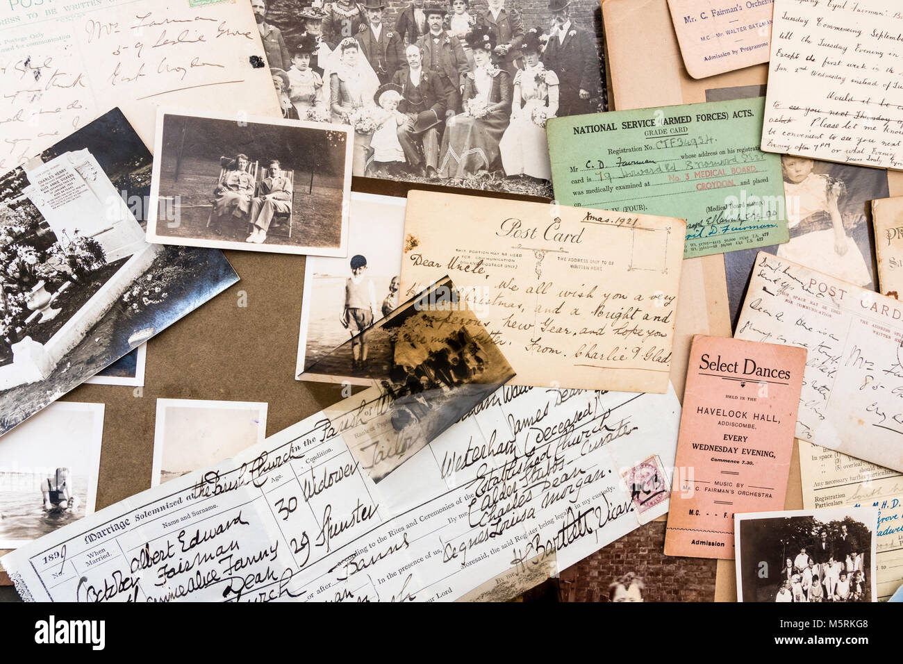 Genealogy and memorabilia. 1900-1920 Photographs, negatives, postcards, birth certificate, dance tickets, letters - Stock Image