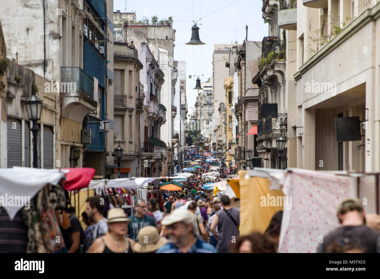 BUENOS, AIRES, ARGENTINA - JANUARY 21, 2018: Unidentified people on San Telmo flea market in Buenos Aires, Argentina. - Stock Image