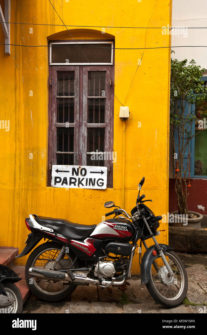 No attention to NO PARKING sign From Kochi (Cochin) in Kerala, India. - Stock Image