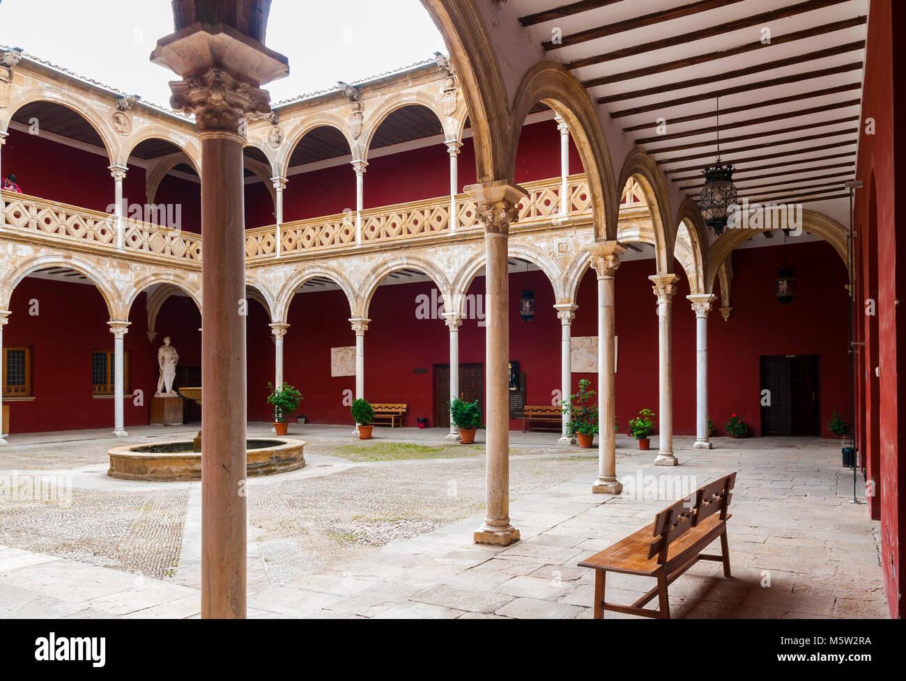 Patio De La Casa De Las Torres úbeda Jaén Andalucía España Stock Photo Alamy