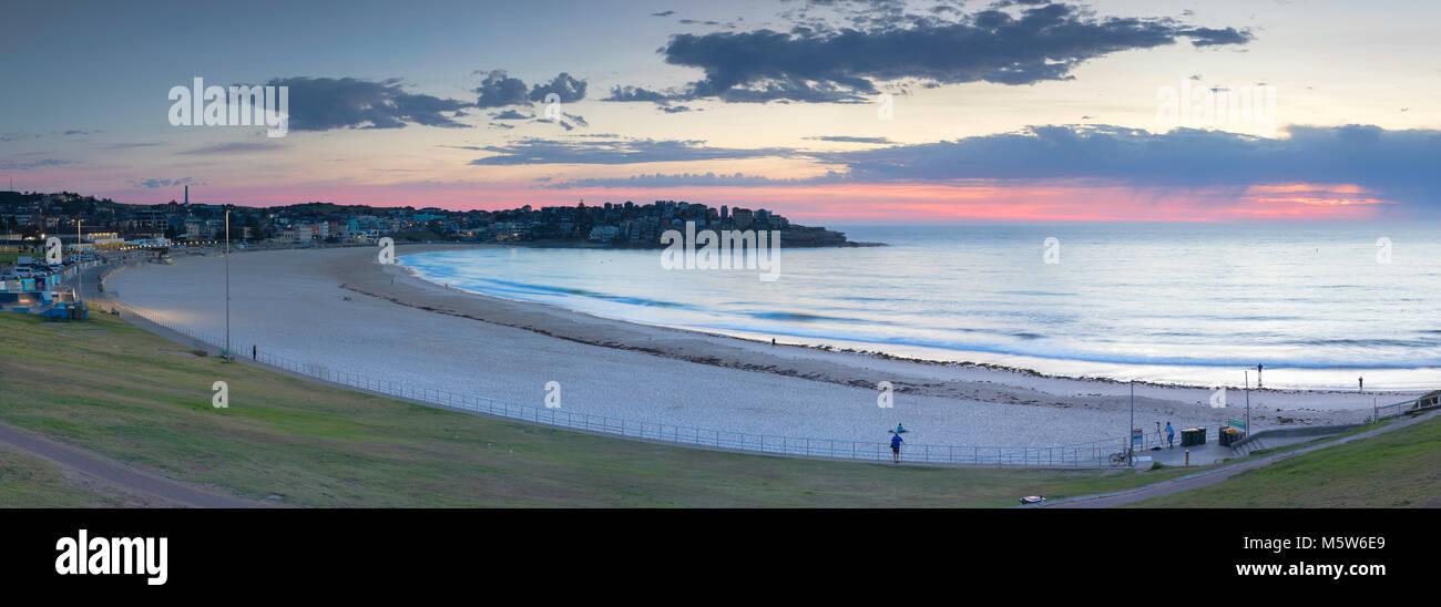 Bondi Beach at dawn, Sydney, New South Wales, Australia - Stock Image