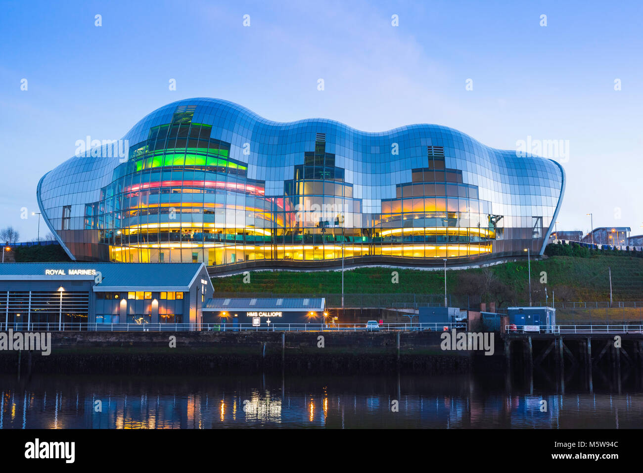 Newcastle England architecture, view at dusk of the Sage Gateshead building along the River Tyne in the centre of - Stock Image