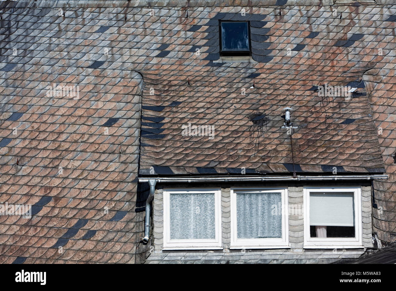 Old roof slates, altes, mit Schiefer gedecktes Dach Stock Photo