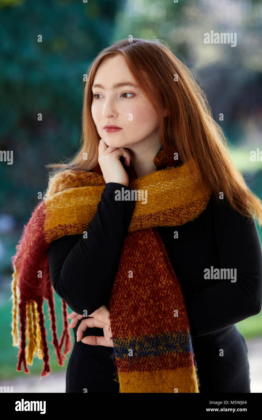 Concerned looking woman - Stock Image