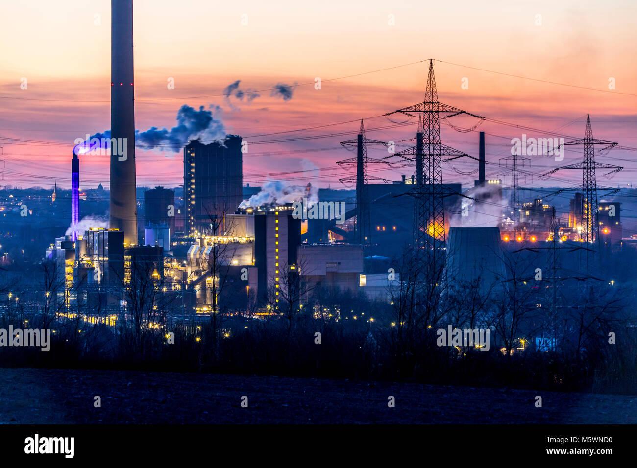 Kokerei Proper in Bottrop, rechts, RWE Müllverbrennungsanlage Essen-Karnap, - Stock Image