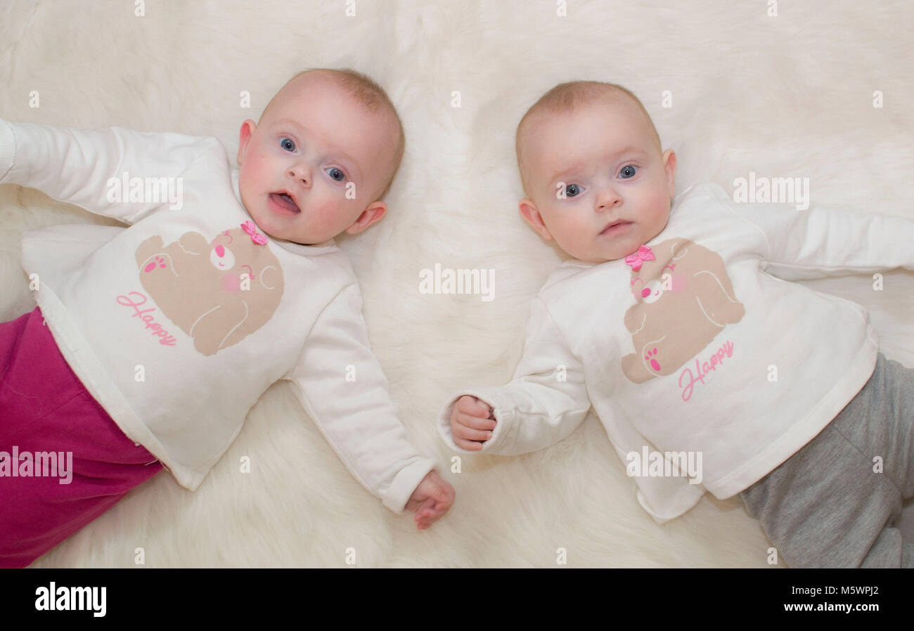 cute babies twins girls stock photo: 175743514 - alamy