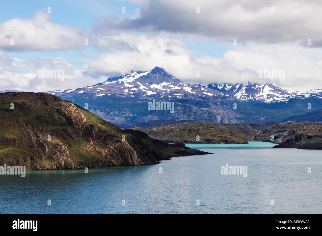 Lago Nordenskjold; Cordillera Paine beyond; Torres del Paine National Park; Chile - Stock Image