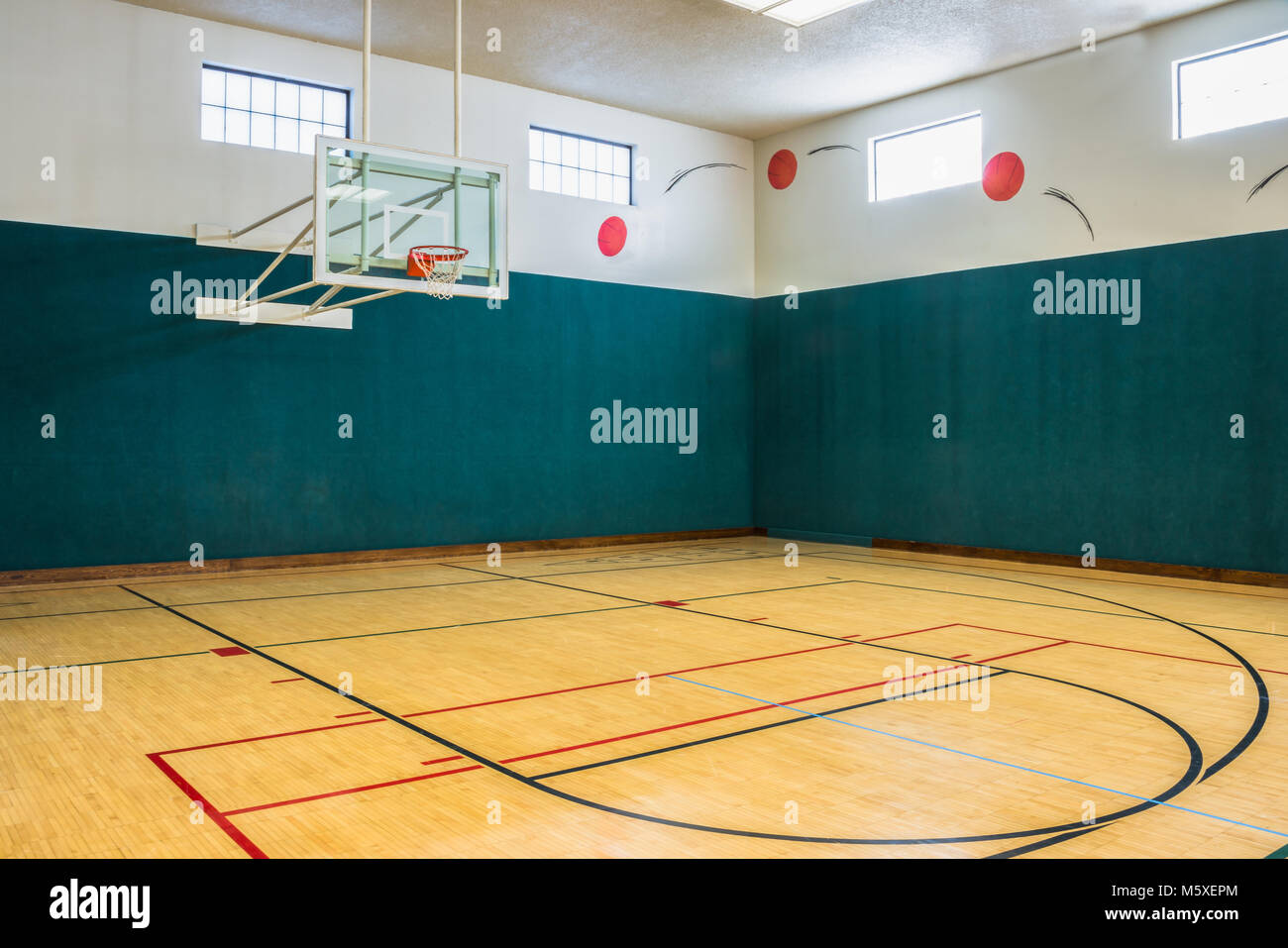Indoor Basketball Court High Resolution Stock Photography And Images Alamy