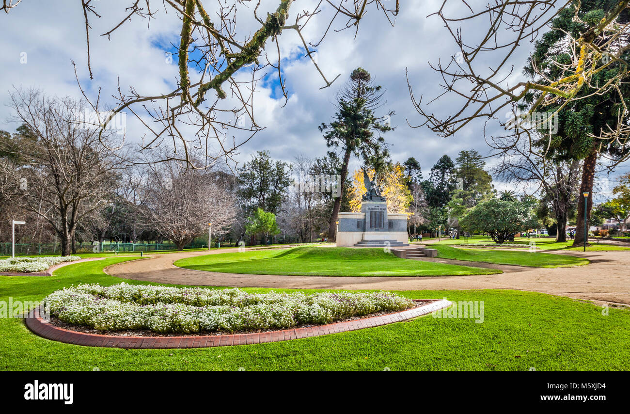 Australia, inland New South Wales, Wellington, granite Cenotaph War Memorial at Cameron Park - Stock Image