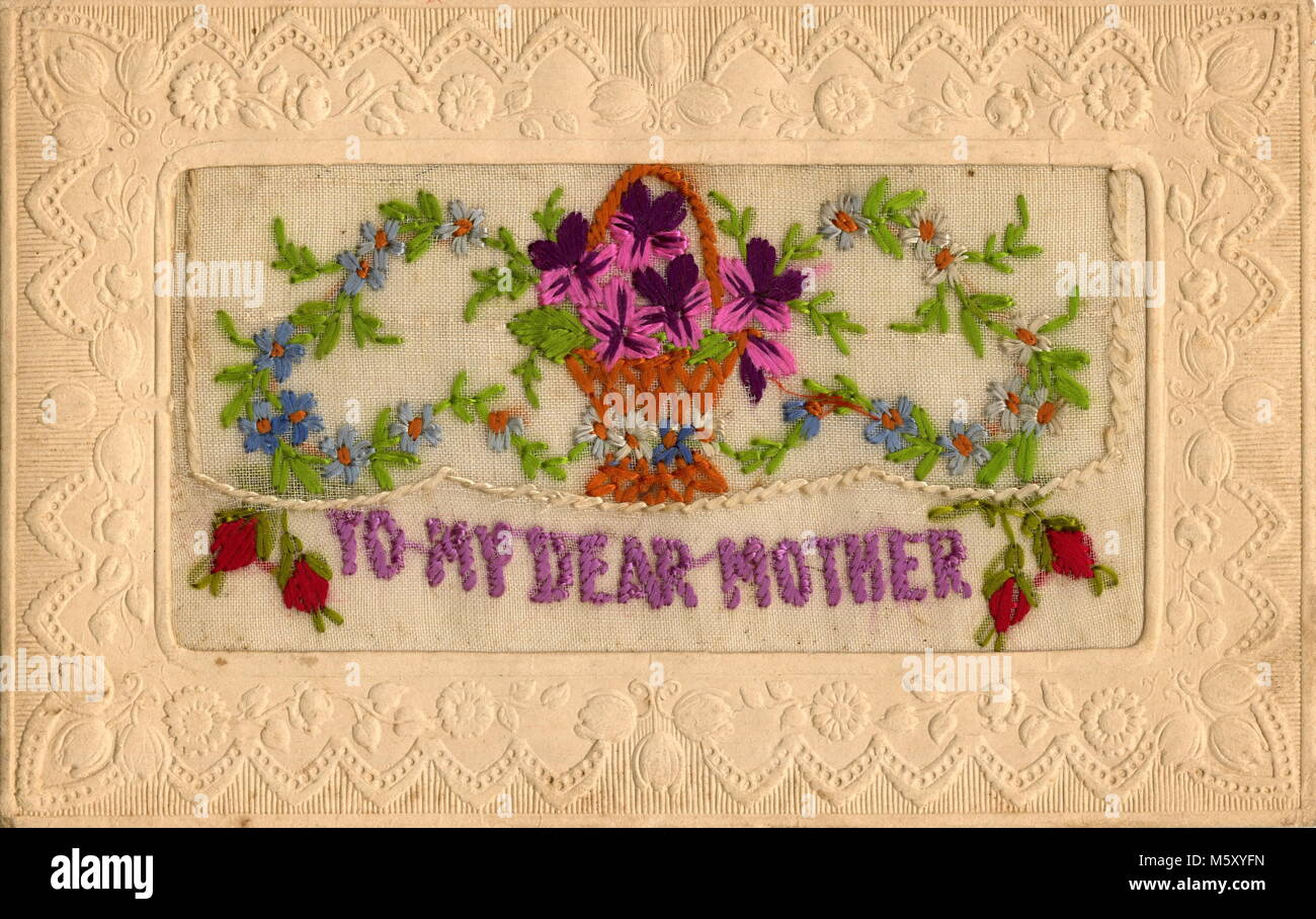 AJAXNETPHOTO. 1914-1918. WW1 EPHEMERA. - A SILK EMBROIDERED LETTER CARD DEPICTING A FLORAL ARRANGEMENT WITH THE - Stock Image