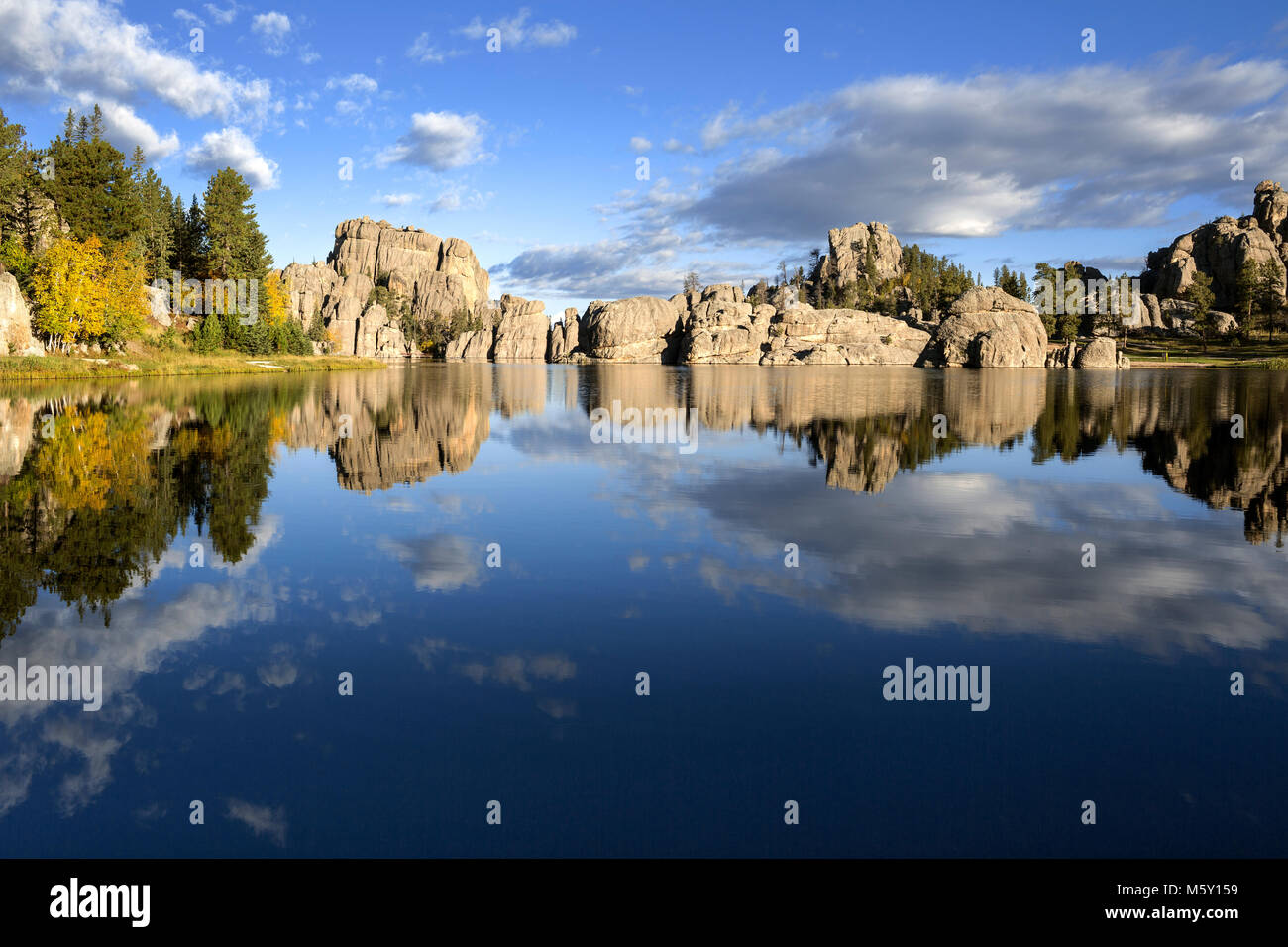 SD00073-00...SOUTH DAKOTA - Reflections on Sylvan Lake in Custer State Park. - Stock Image